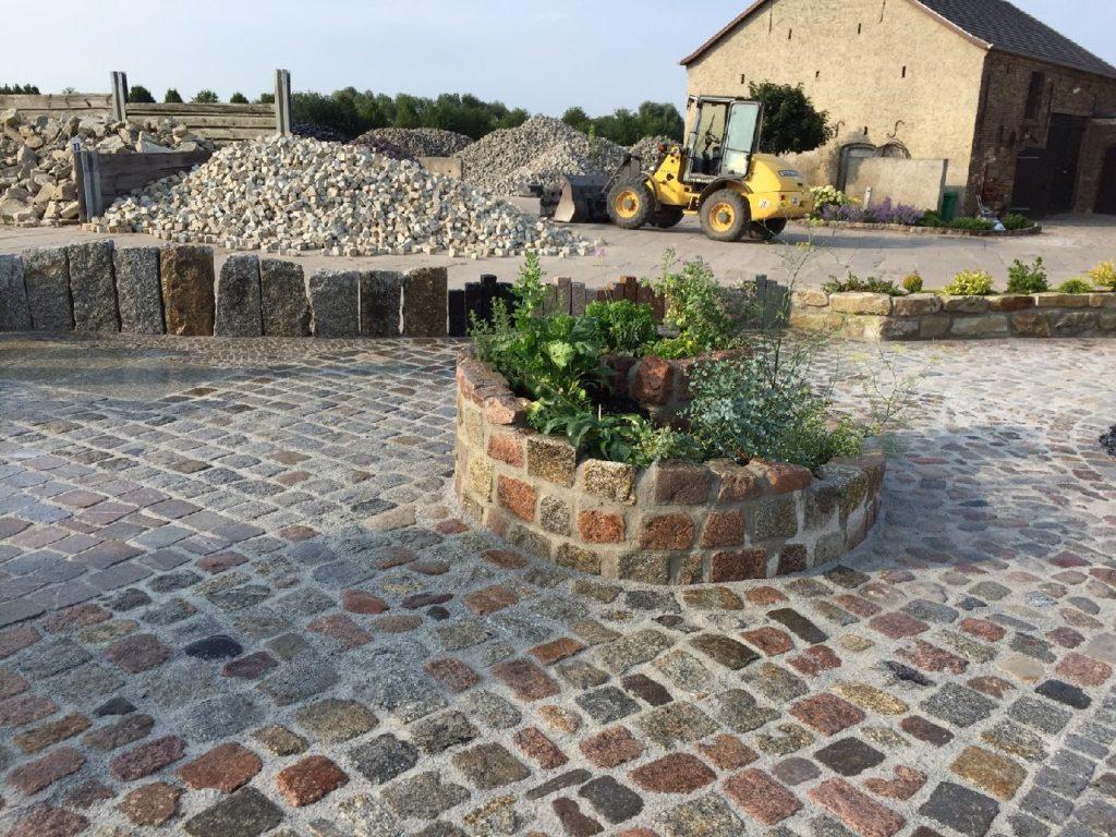 Kräuterschnecke, Großpflaster, Mauersteine | Granit