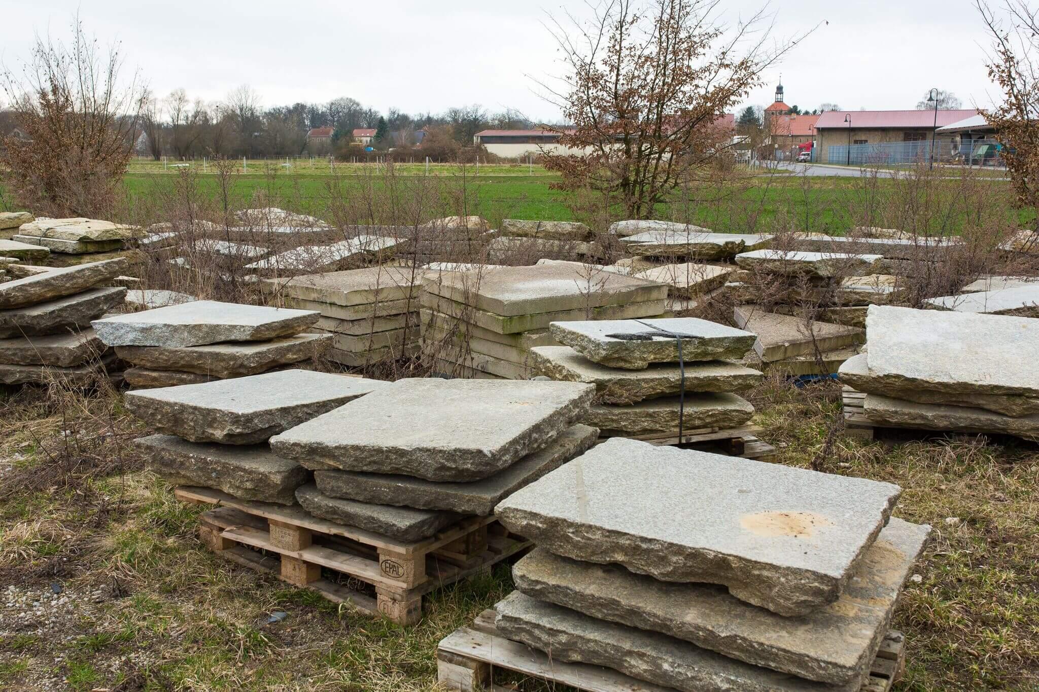 Charlottenburger Granit Krustenplatte gebraucht