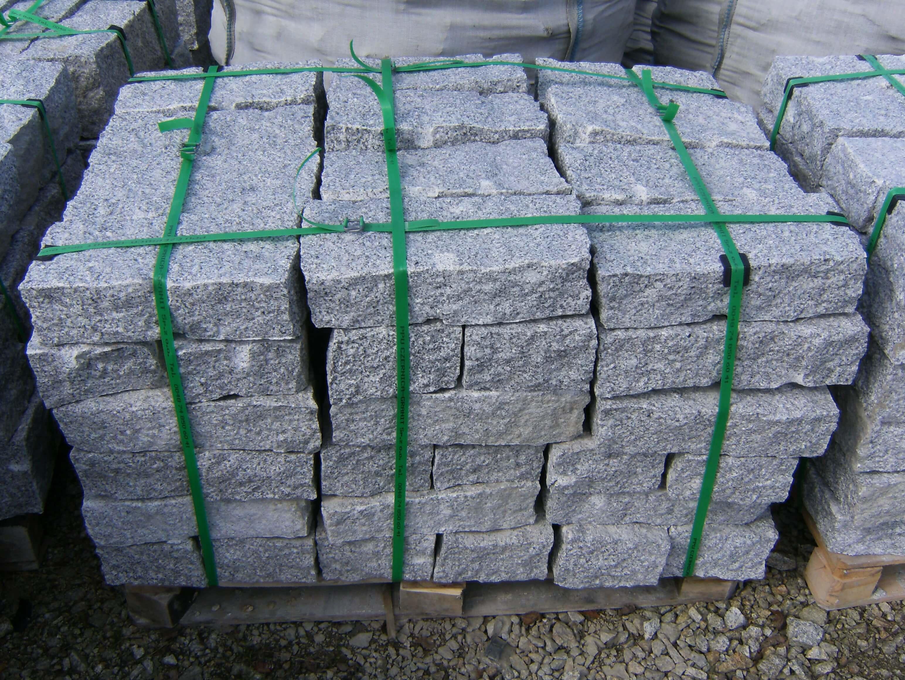 Granit Mauerstein 10x20x40 cm grau gespalten