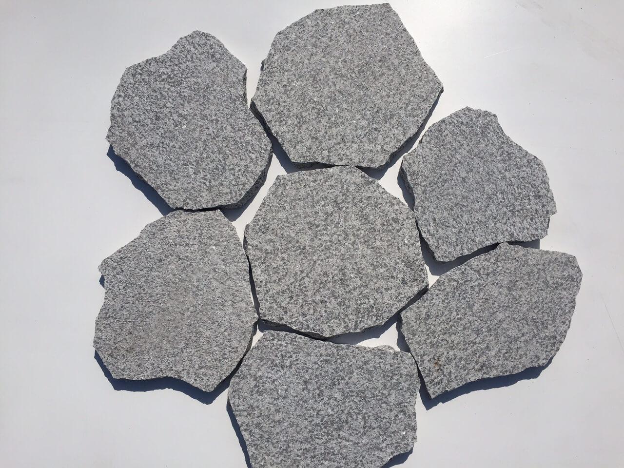 Granit Polygonalplatte hellgrau 2