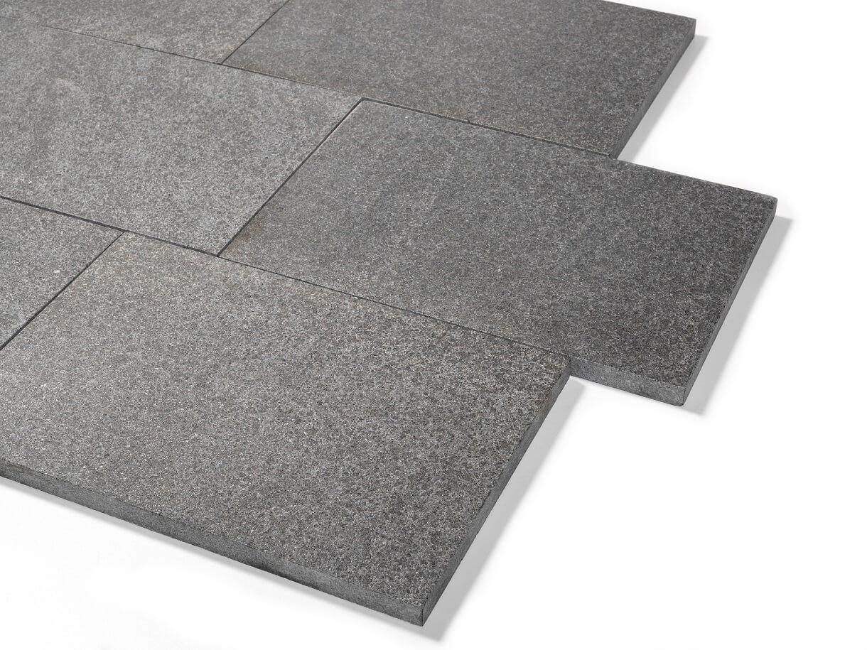Basanit Terrassenplatte 30x60x3 cm anthrazit-schwarz