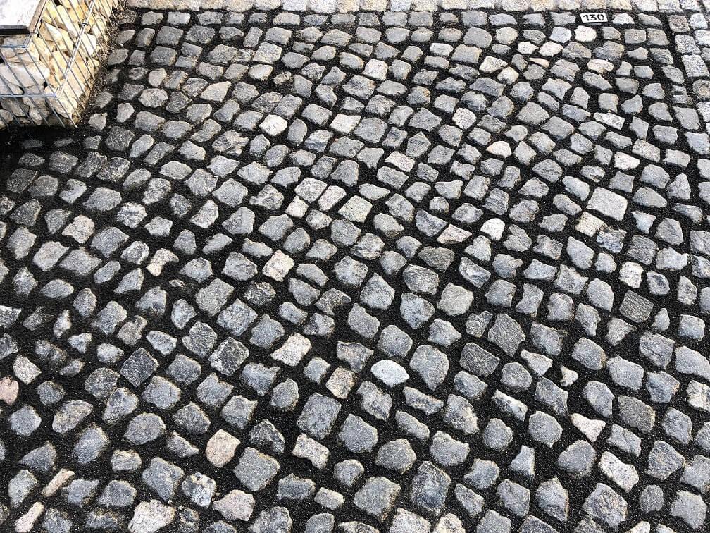 granit-kleinpflaster-anthrazit-unregelmäßig (2)