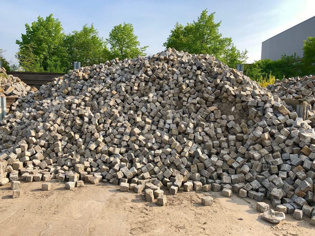 granit-kleinpflaster-gebraucht-8-11-gespalten-box3 (2)
