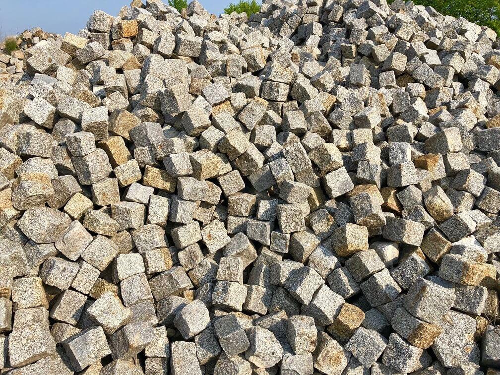 granit-kleinpflaster-gebraucht-8-11-gespalten-box3