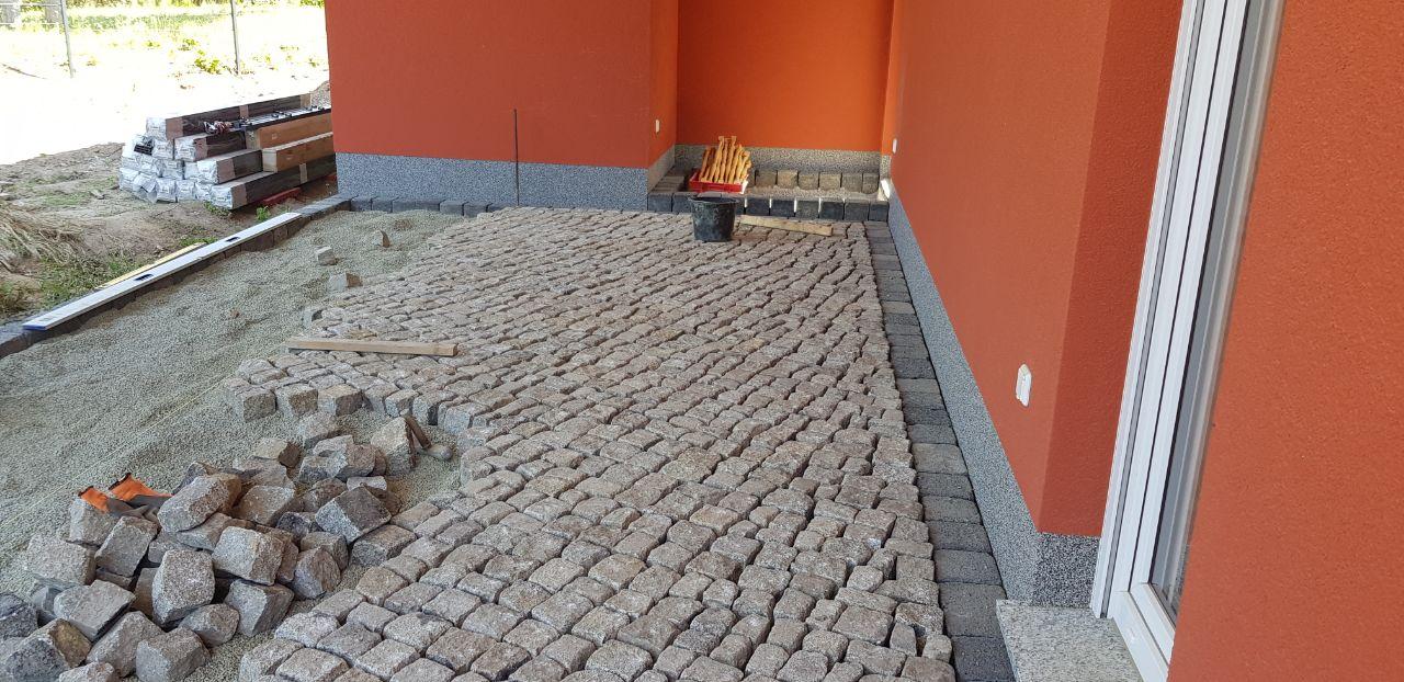 Welche pflastersteine passen zu meinem haus steinpark rangsdorf - Welche fliesen passen zu holzmobeln ...