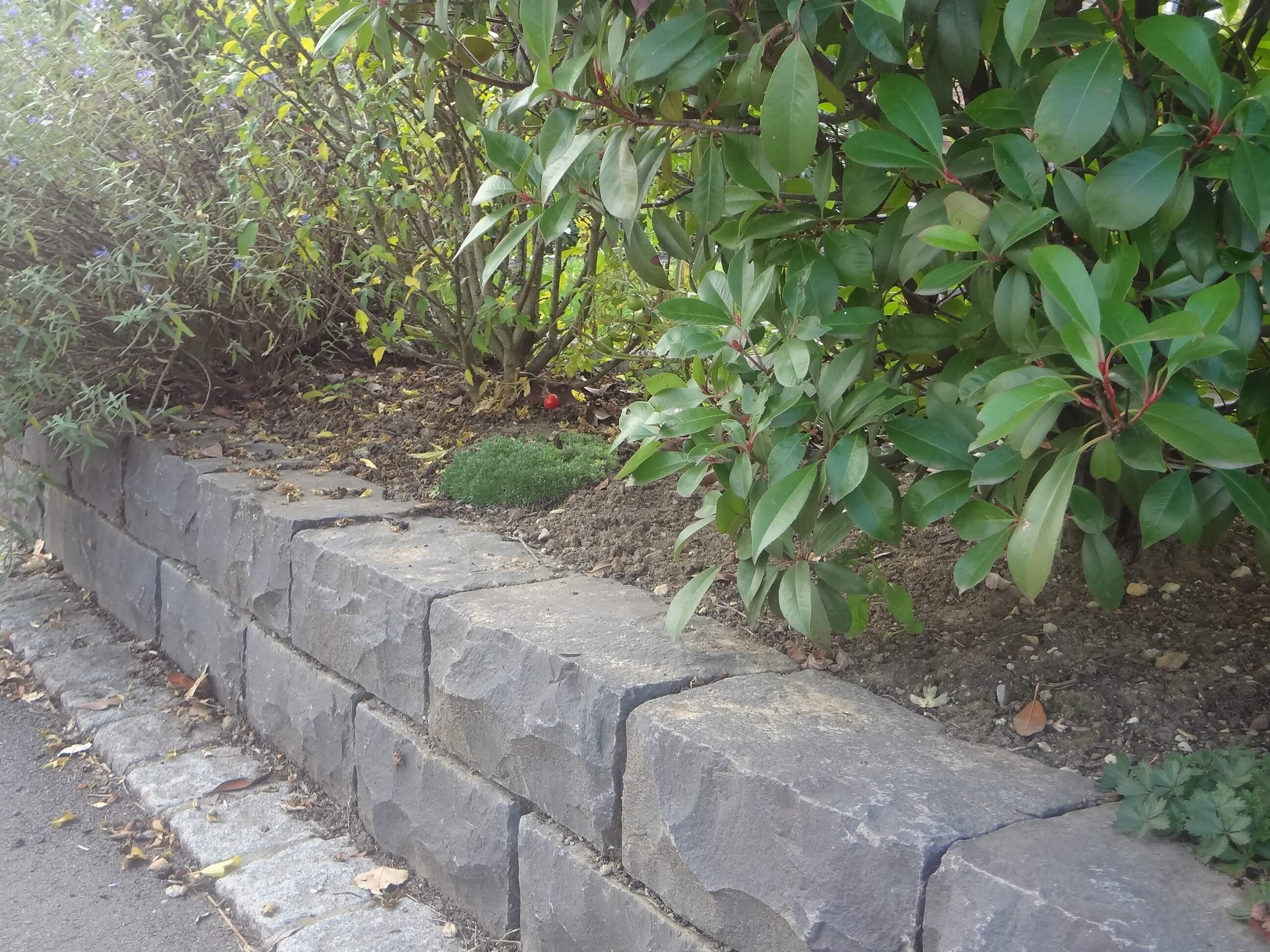 mauerstein basalt gespalten 4
