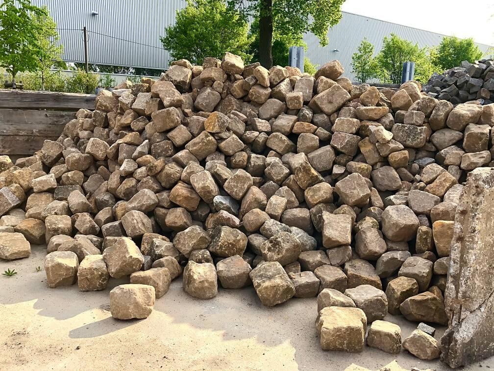 sandstein-böschungssteine-gebraucht-unregelmäßig-gebrochen-gelblich (2)