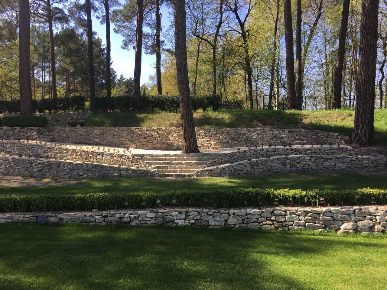 sandstein-mauersteine-grün-gelb-gebraucht-unregelmäßig-steinpark (3)