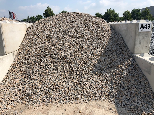 ziersplitt-granit-herbstlaub-bunt-gebrochen-box-a43 (2)