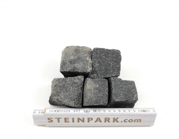 Neues Basalt Mosaikpflaster 4-6 cm reihenfähig