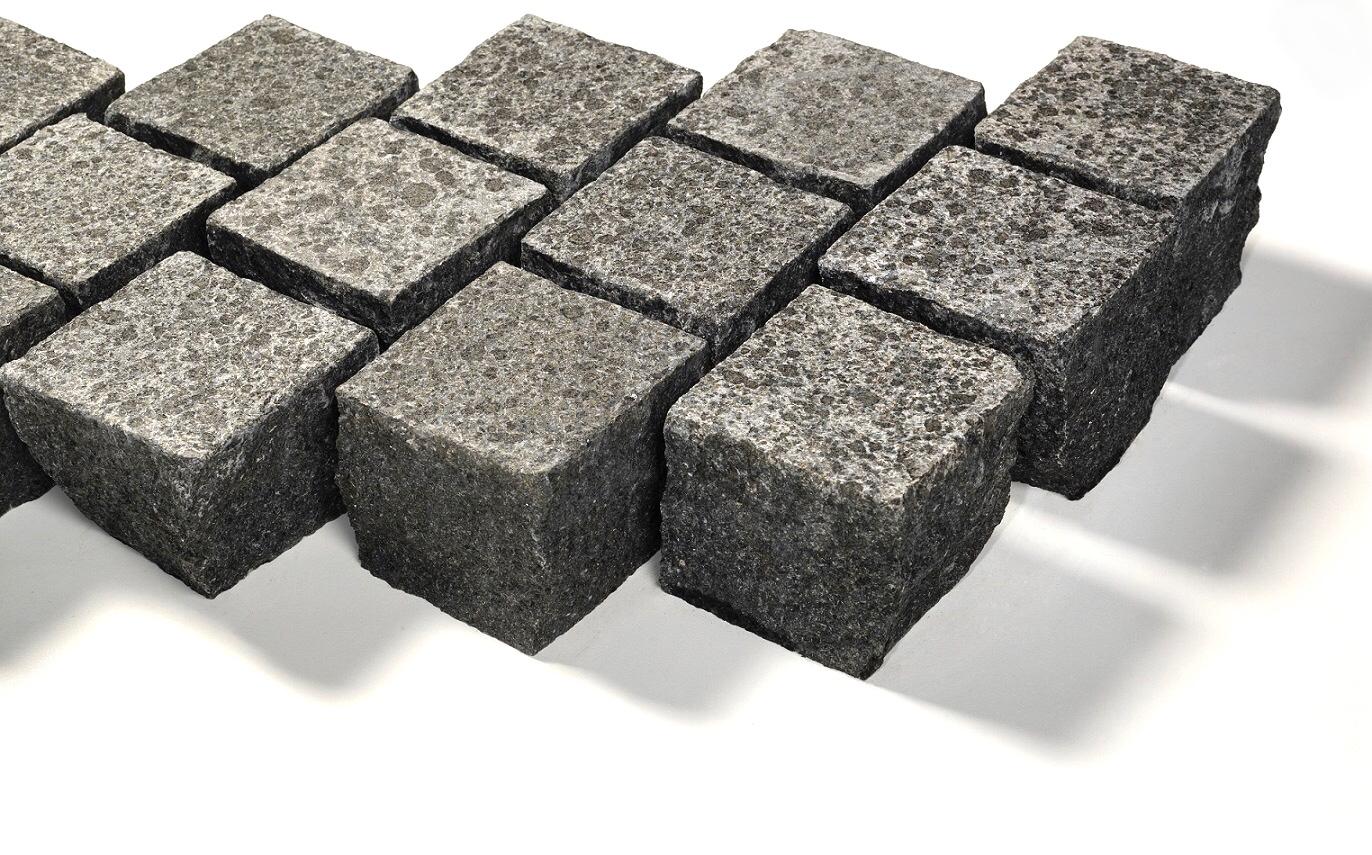 Basanit Edelkleinpflaster 10x10x8 cm anthrazit