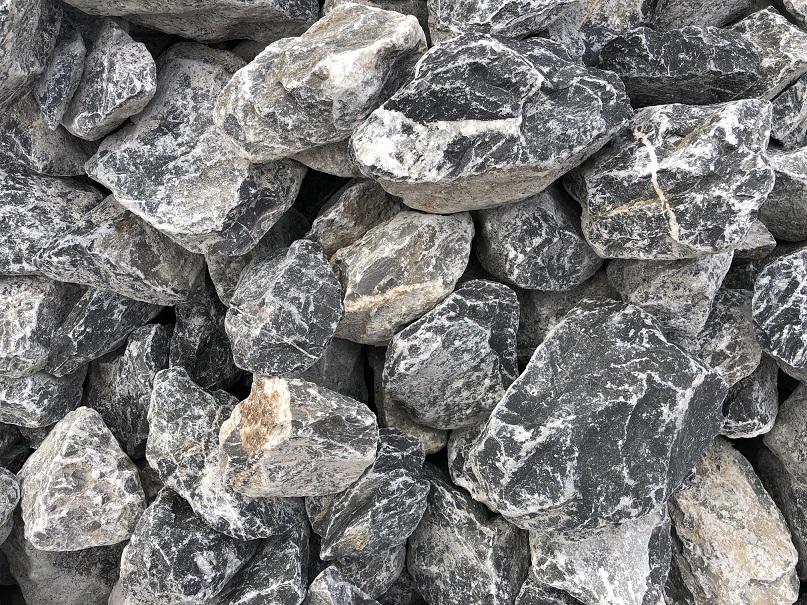 gabionenstein-alpenstein-60-120-anthrazit-gebändert-gebrochen-boxa3