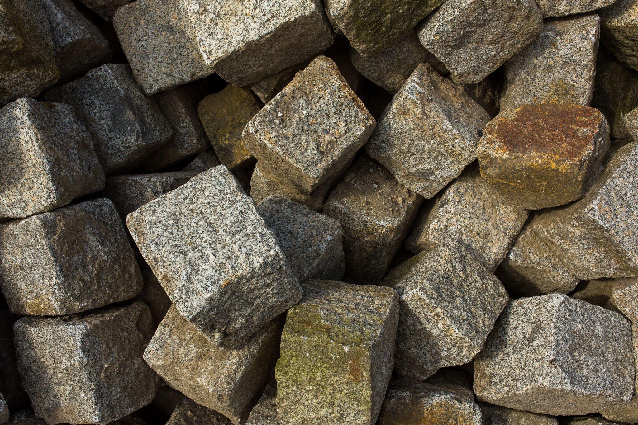 Granit Großpflaster Box11 grau-gelb 2