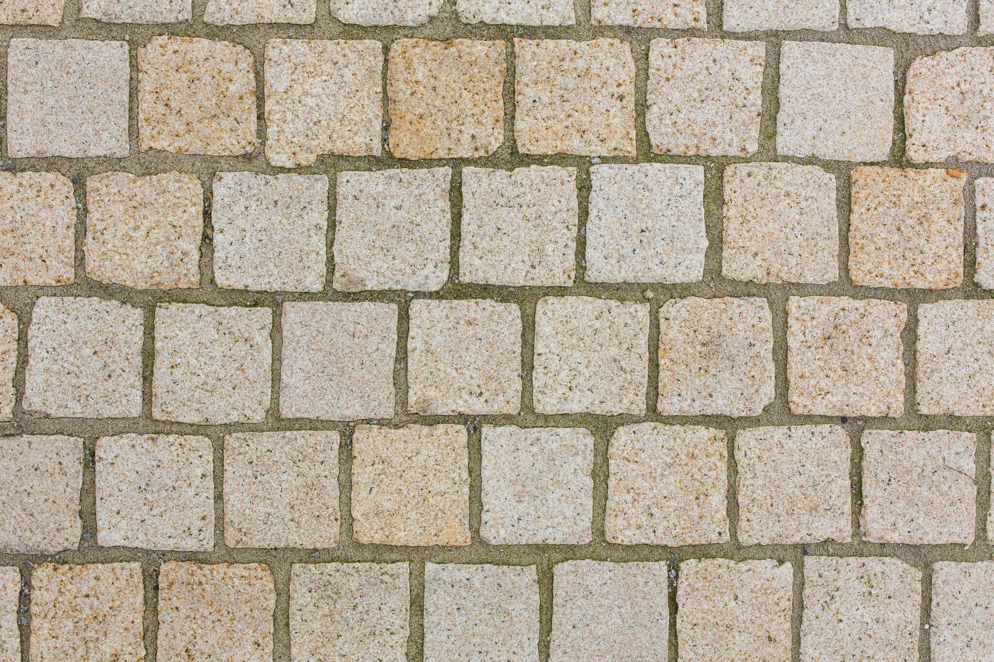 granit kleinpflaster gelb-grau 10x10x8 cm gesägt gestockt