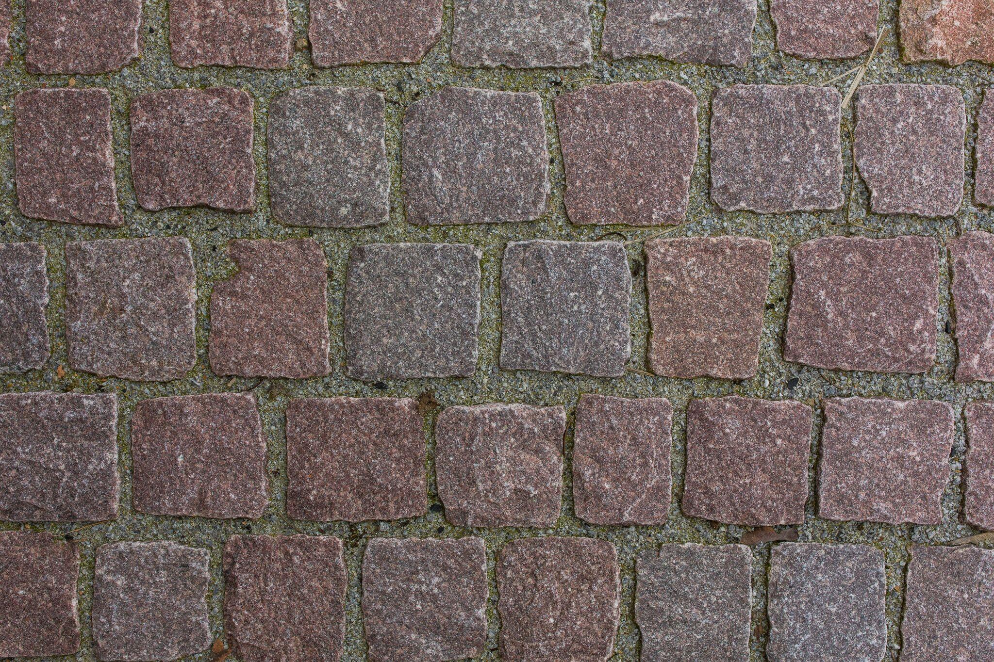 granit kleinpflaster rötlich 8-11 cm gespalten