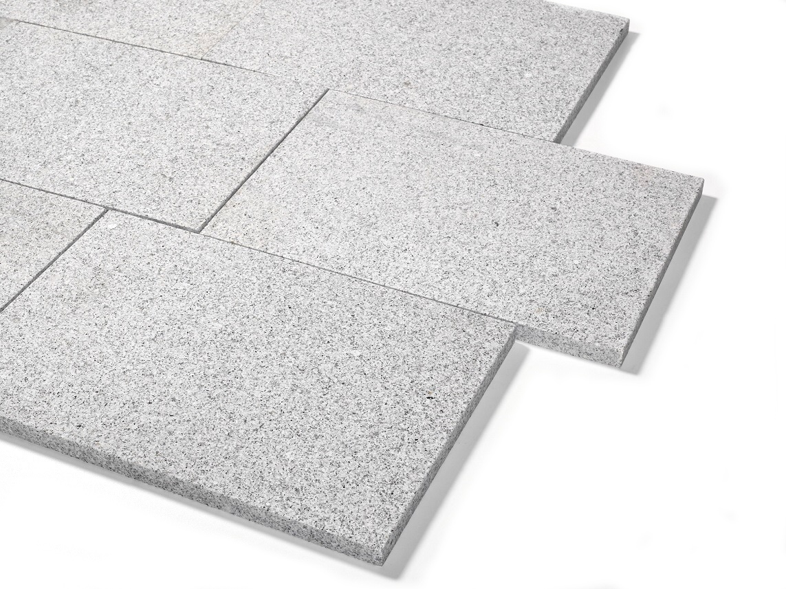Granit Terrassenplatte 40x60x3 cm hellgrau