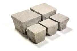 Neues Quarz-Sand Kleinsteinpflaster 10x10x6-8 cm grau