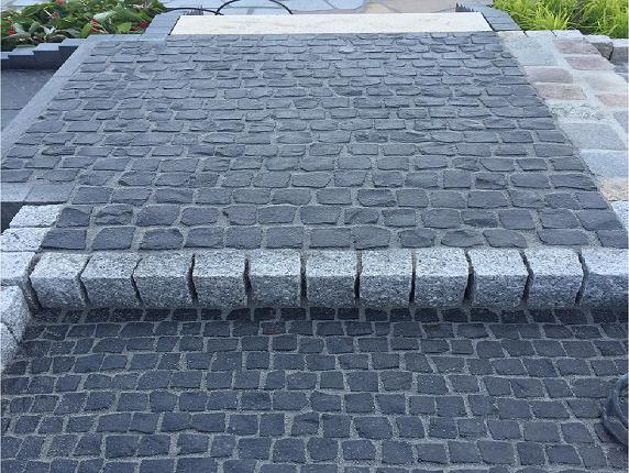basalt-kleinpflaster-8-11-cm-gespalten-anthrazit