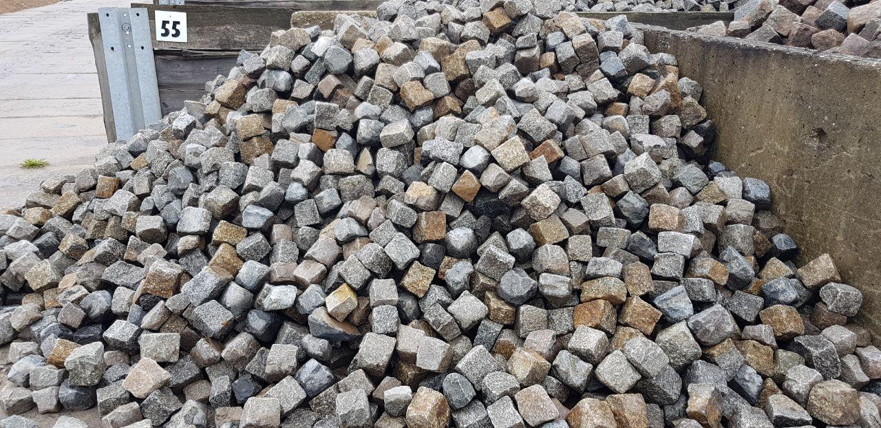 gebrauchtes granit kleinpflaster bunt gespalten box55