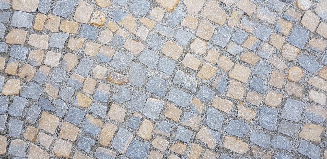 Sandstein Mosaikpflaster gebraucht gelb-grau