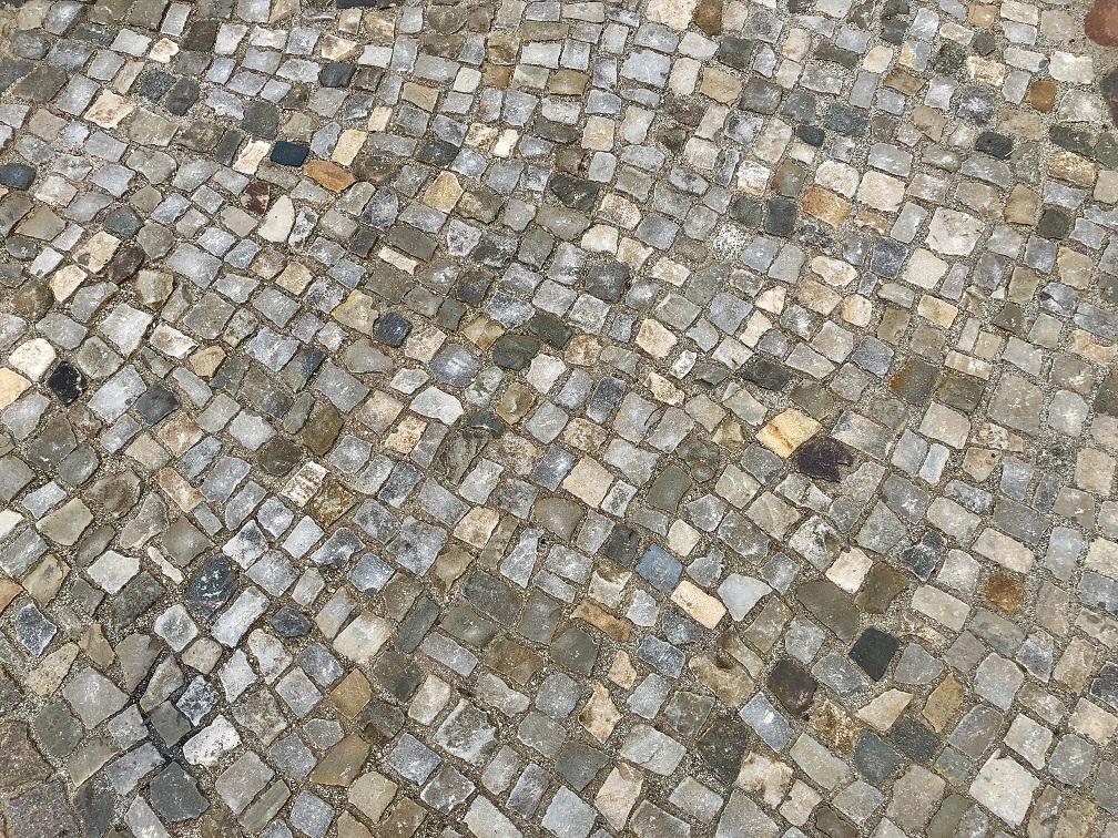 mosaikpflaster-kalkstein-gebraucht-grau-bunt-box25