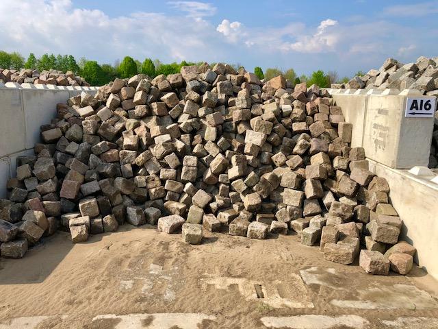 granit-großpflaster-gebraucht-bunt-box-a16