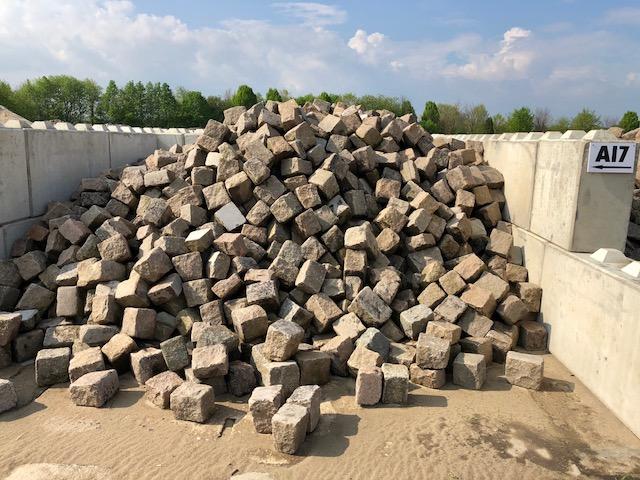 granit-großpflaster-gebraucht-bunt-box-a17