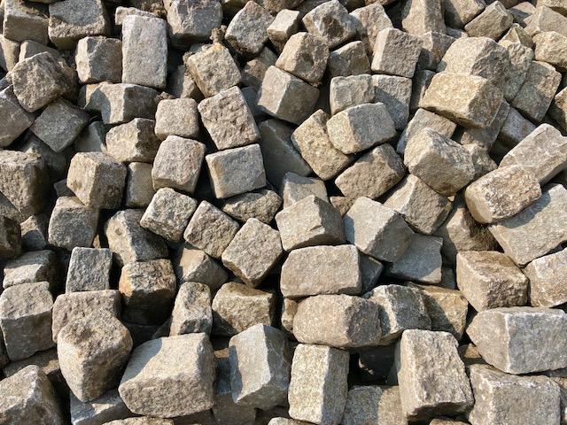 granit-großpflaster-gebraucht-überw. grau-box-a14 (2)