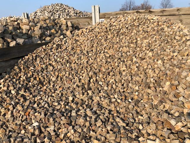 mosaikpflaster-box27-quarzit-kalkstein-3-5cm-gespalten-bunt (2)
