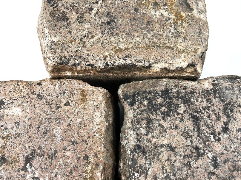 granit-großpflaster-reihenpflaster-rot-braun-box56(2)
