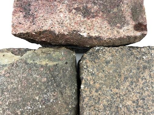 granit-großpflaster-unregelmäßig-rot-bunt-boxA28 (2)