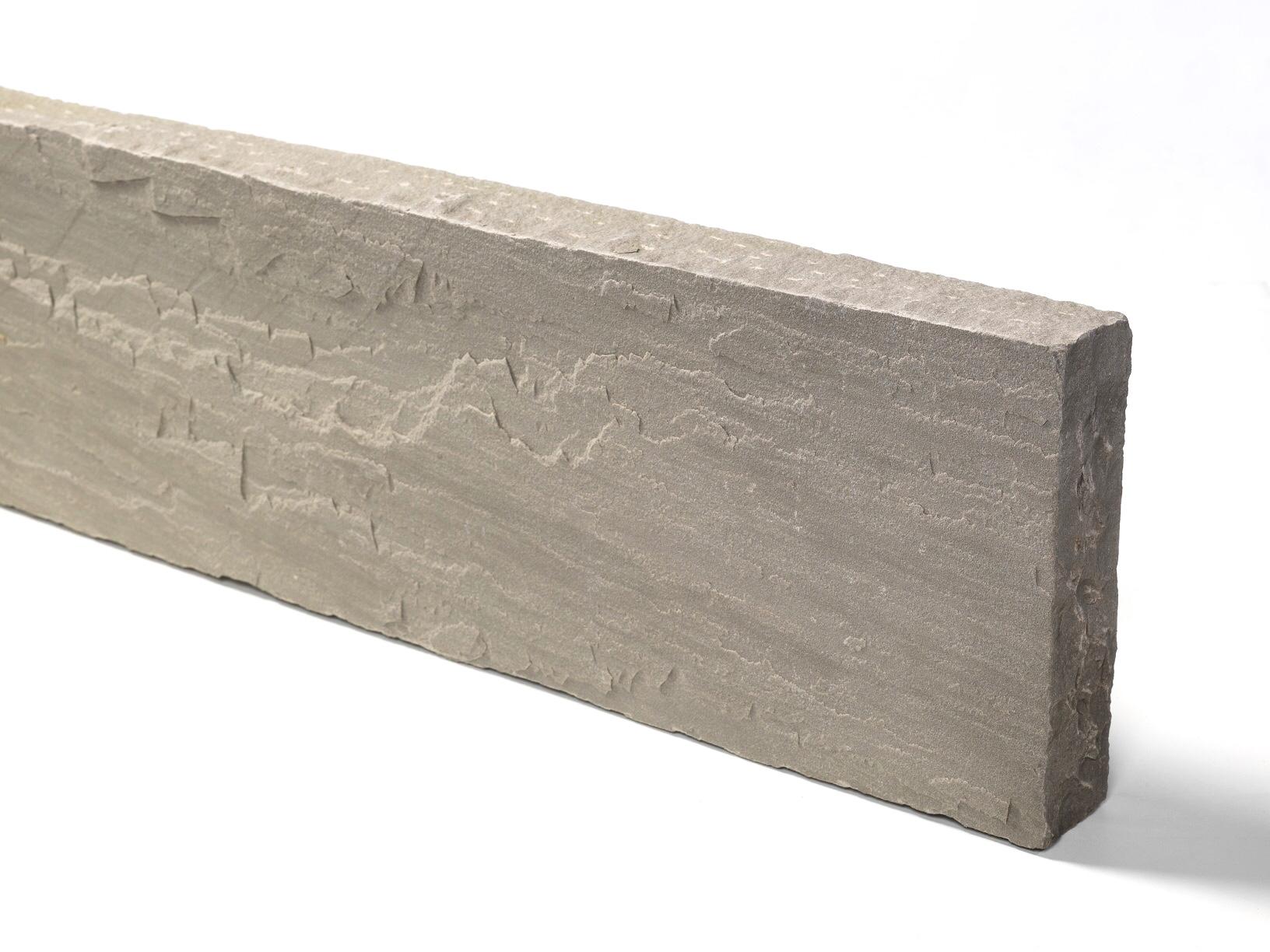 quarz-sandstein-kantenstein-grau-gespalten
