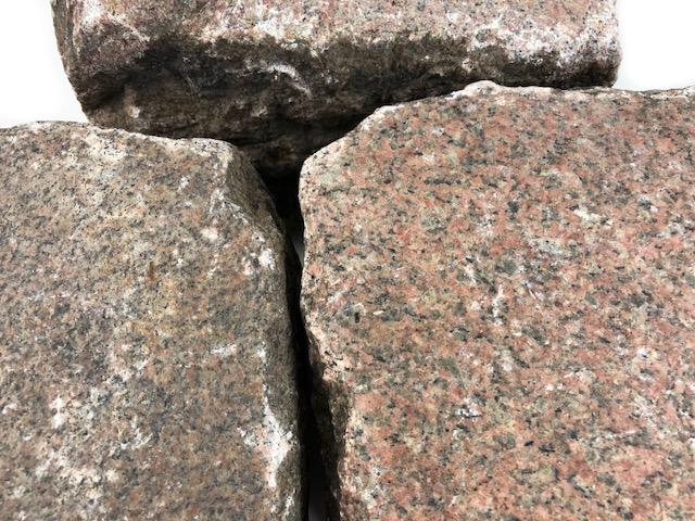 granit-großpflaster-reihenpflaster-gebraucht-rötlich-gespalten-glatte-oberfläche-box1b (3)