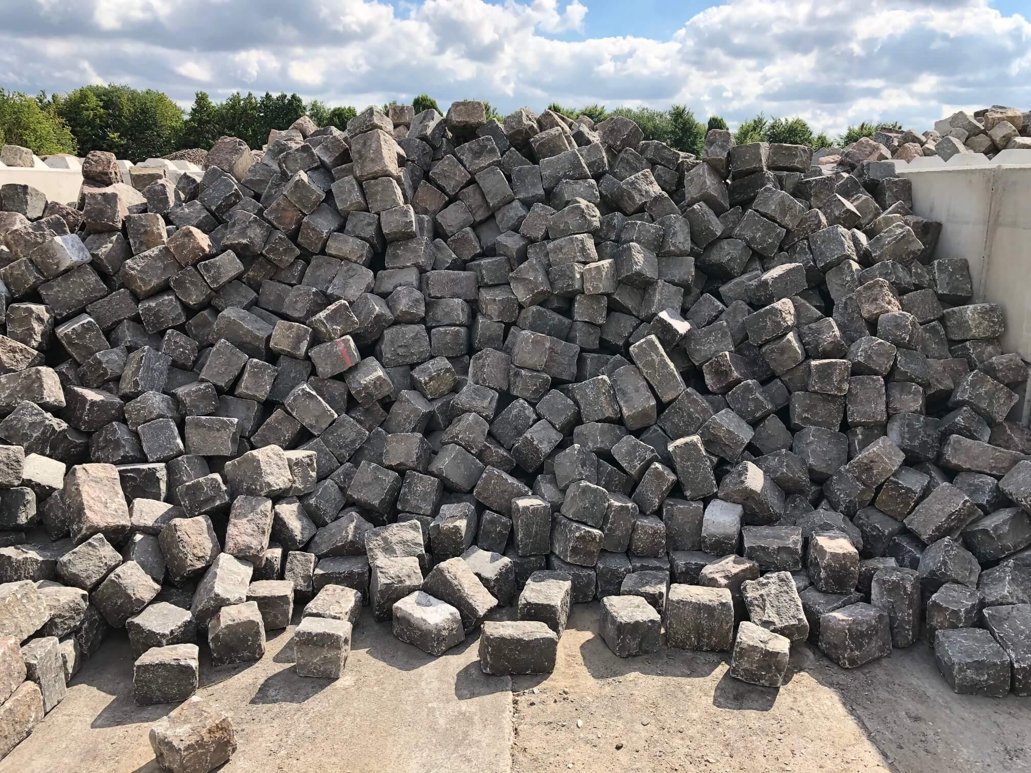 granit-großpflaster-bindersteine-boxa20-gebraucht-bunt