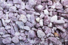Ziersplitt Kalkstein Kristall 10-20 mm lila