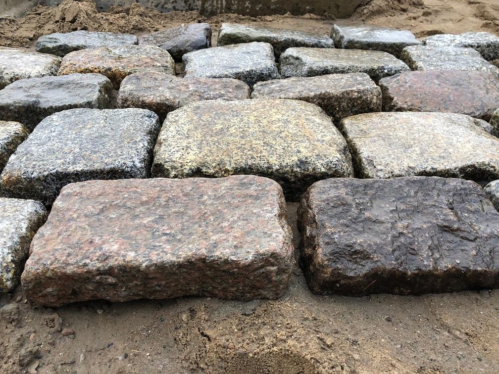 granit-großpflaster-pflasterplatten-antik-reihenpflaster-3-6cm (4)