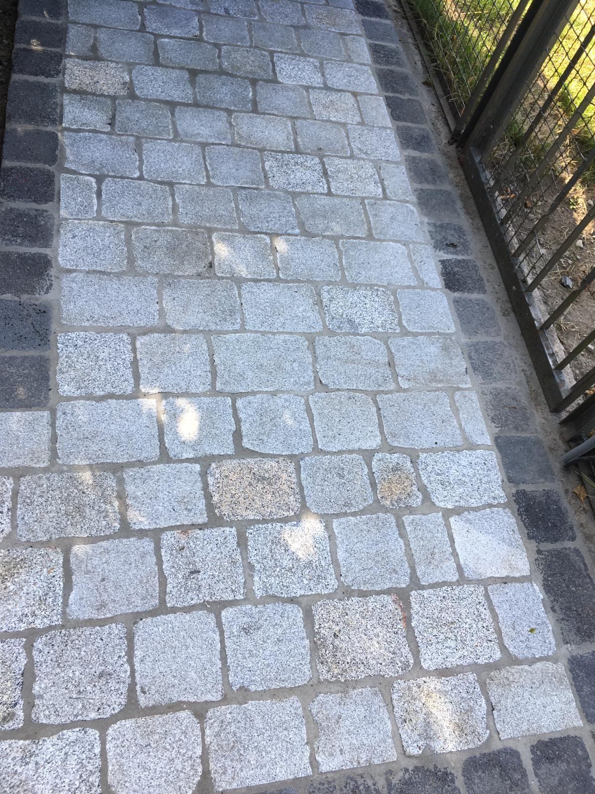 granit-großpflaster-gesägt-überwiegend-grau-schlacke (21)