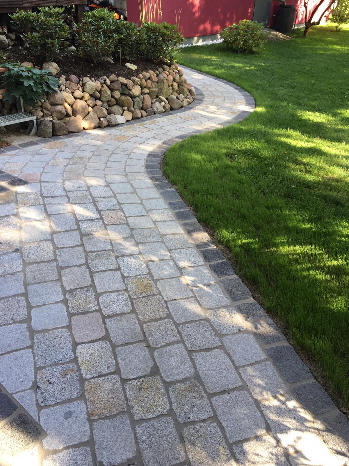 granit-großpflaster-gesägt-überwiegend-grau-schlacke1