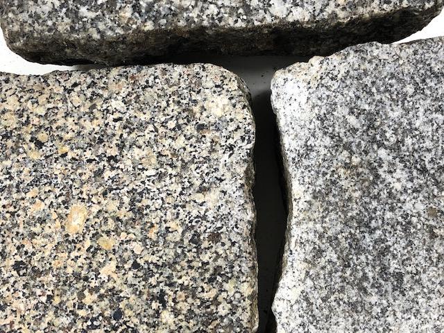 granit-pflasterplatte-4-6cm-überw.grau-gesägt-geflammt-regelmäßig (2)