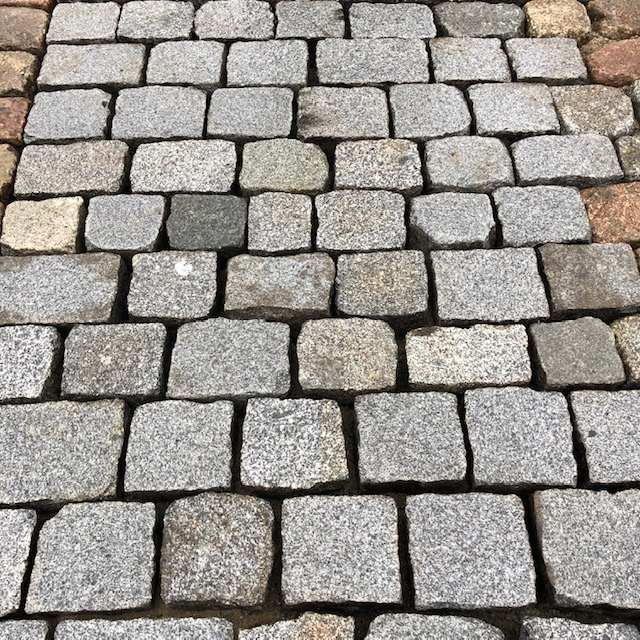 granit-pflasterplatte-überw.grau-gesägt-geflammt-regelmäßig (3)
