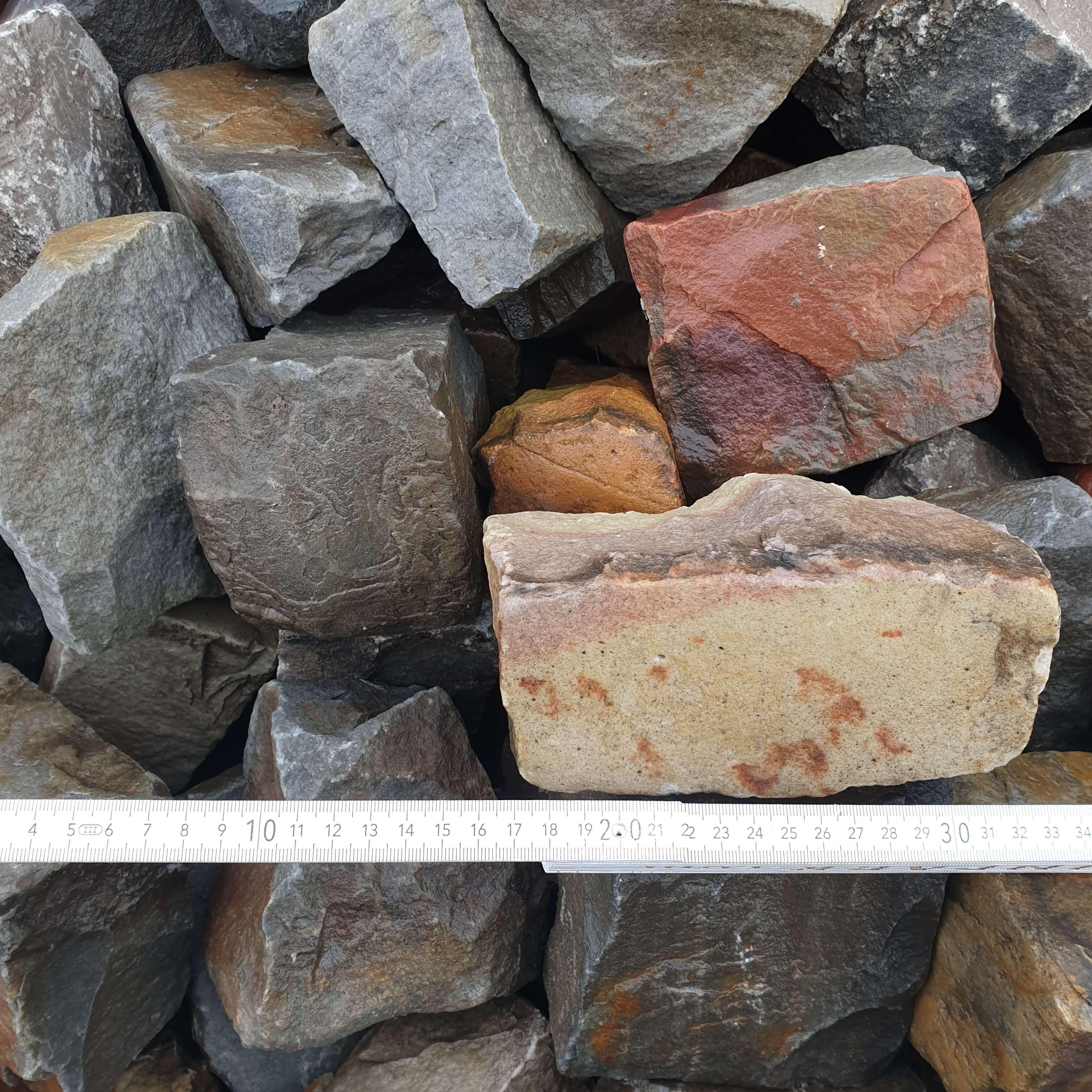quarzit-kalkstein-strecker-bunt
