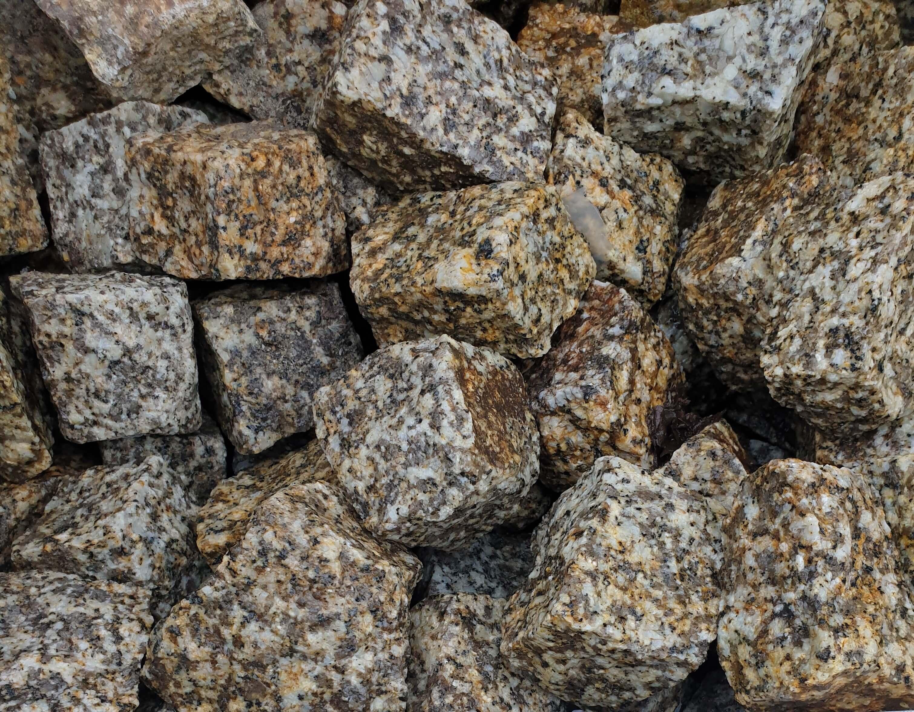 Granit Kleinpflaster 4/6 cm gelb-grau