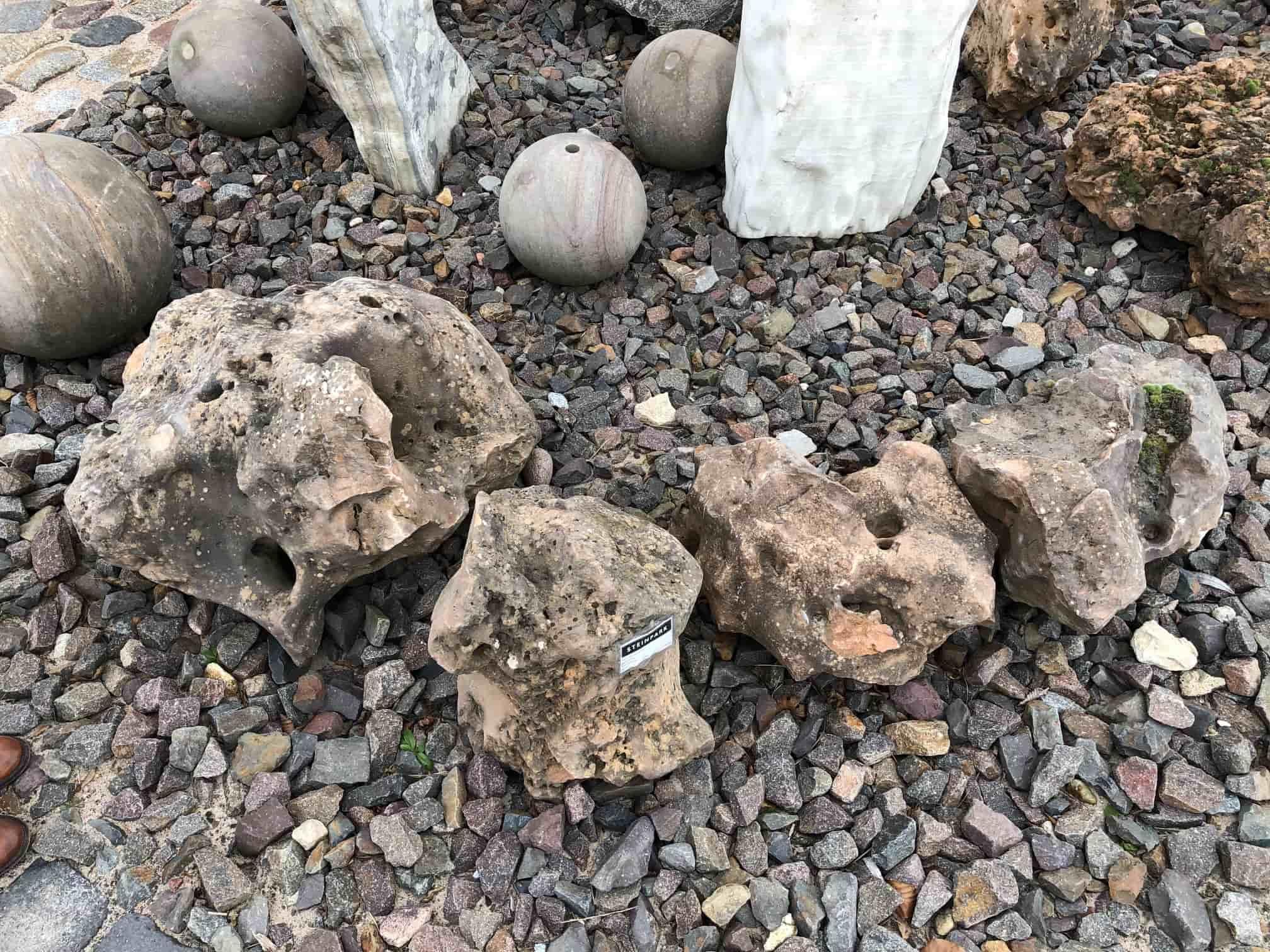 kalksteinfindling-lochstein-einzelstück-sale