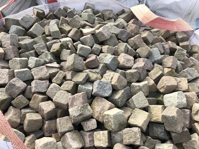 Gebrauchtes Sandstein Mosaikpflaster 4-6 cm bunt