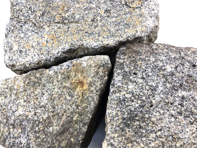 granit-großpflaster-unregelmäßig-überwiegend-grau (2)