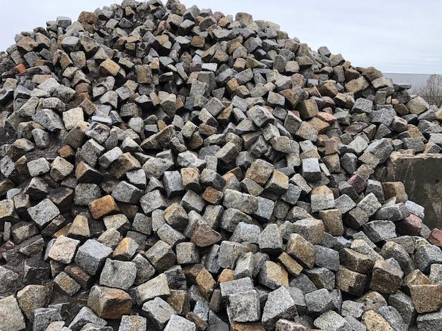 granit-großpflaster-unregelmäßig-überwiegend-grau (3)