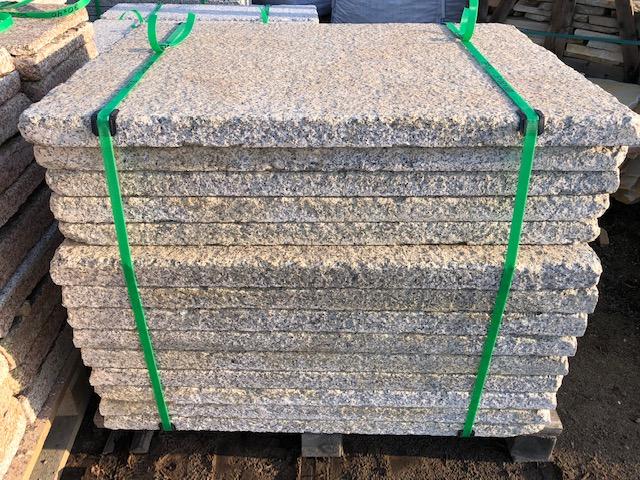 granit-krustenplatte-gelb-grau-geflammt-angeknabbert (2)