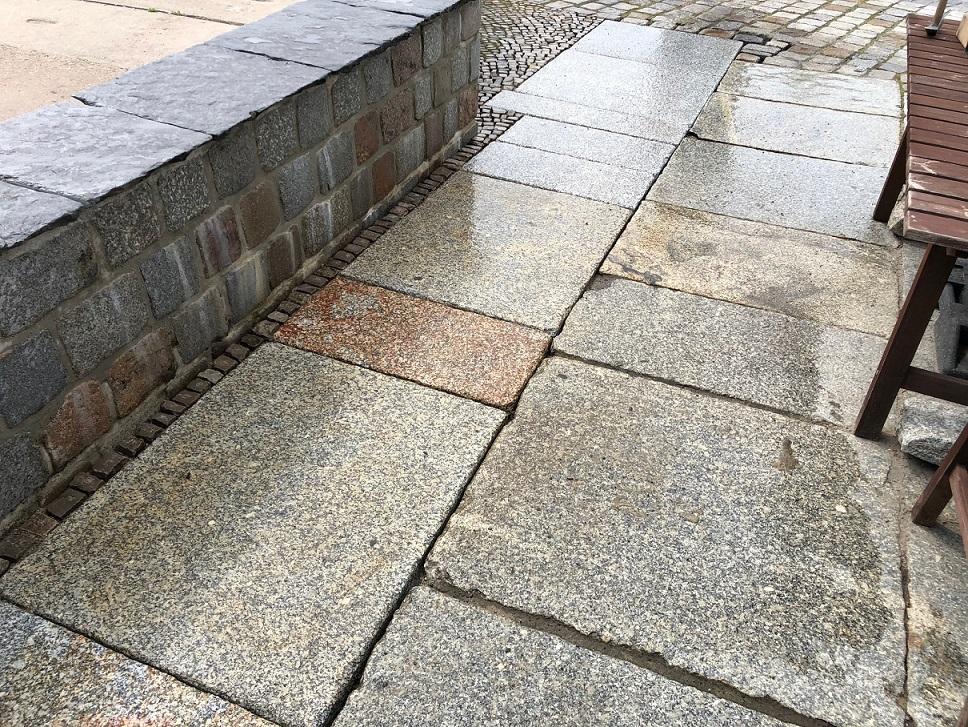 granit-krustenplatte-gelb-grau-geflammt-angeknabbert (3)