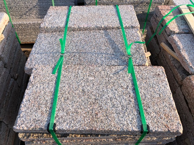 granit-krustenplatte-gelb-grau-geflammt-angeknabbert (7)