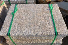 Neue Granit Krustenplatten gelblich 100×60-100×5 cm